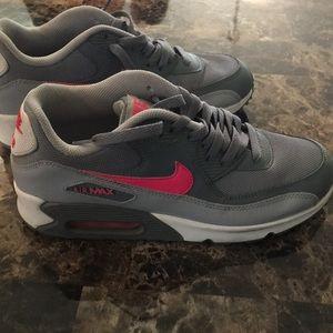Nike Air Max.